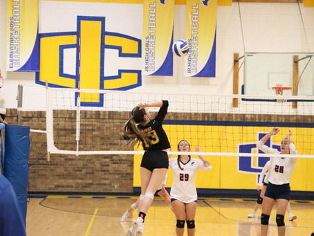 Varsity Volleyball Moves Above .500 in District