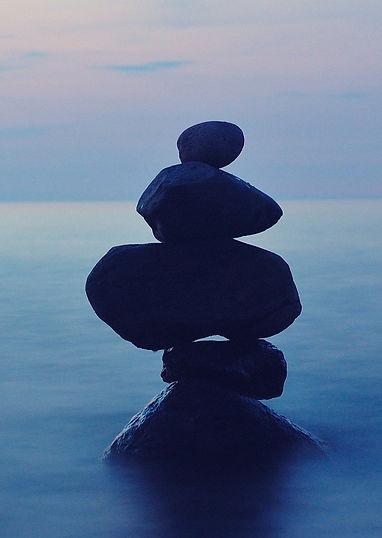 balance-1571954_1920.jpg