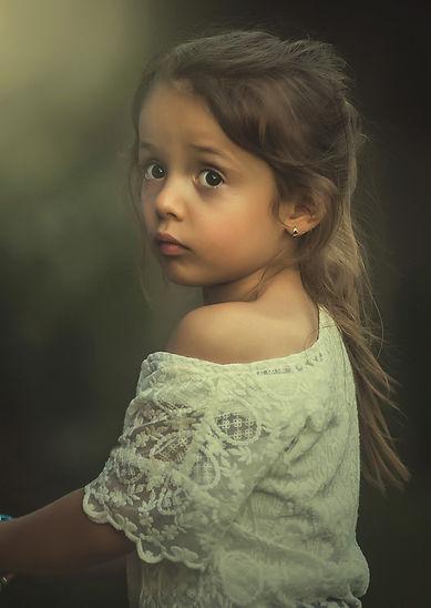 girl-1843477_1920 (1).jpg