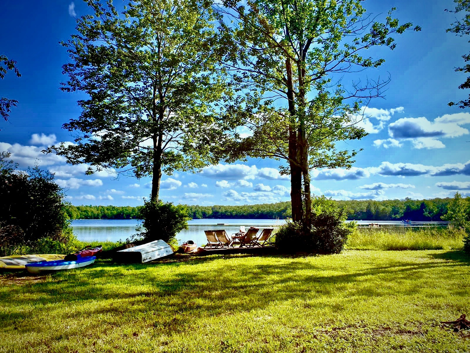 Private Lakeside Lawn
