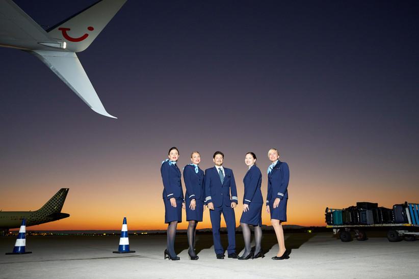 TUIfly Crew nach der Ankunft eines Nachtflug von HAJ-PMI