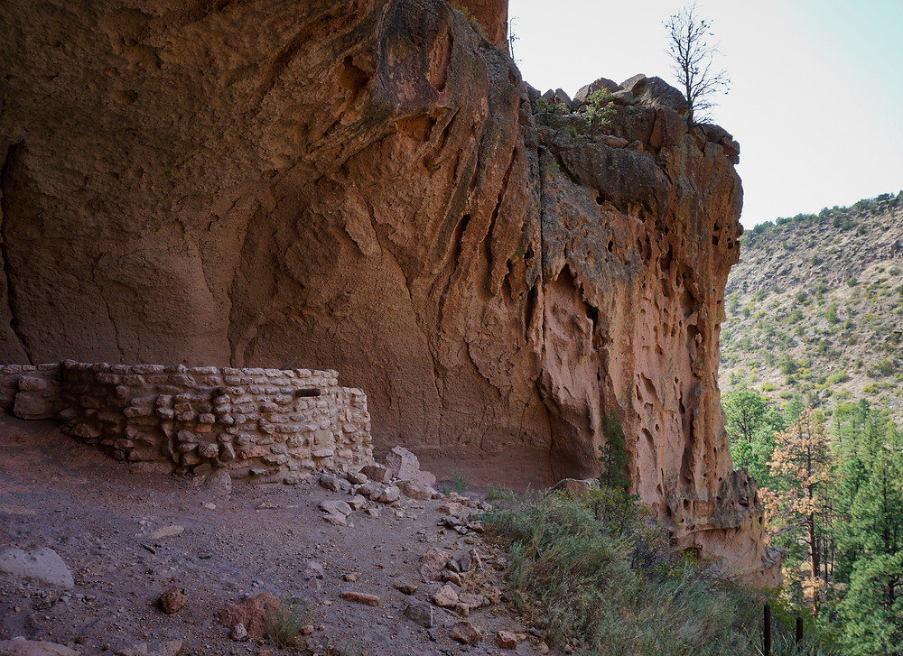 A view of the Kiva within Alcove House and a view of the canyon