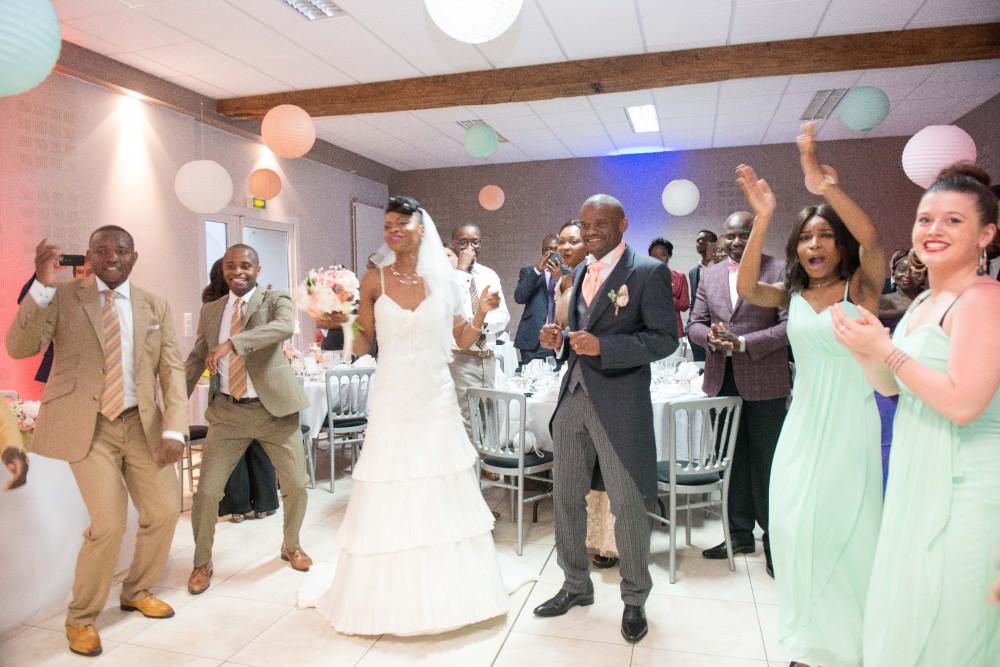 chorégraphie avec famille mariés
