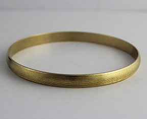 Seamless Bangles with Lined Pattern