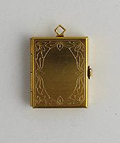 7020-D Box Locket