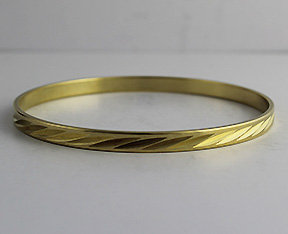 Seamless Bangles with Pattern 30