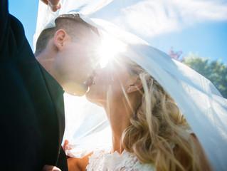 Se bilder fra sesongens to første bryllupsfotograferinger