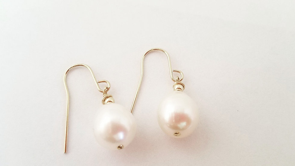 Fresh water pearls in gold filled