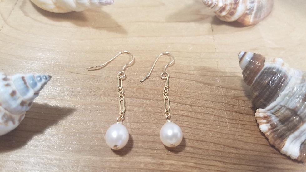 Fresh water pearl on chain earrings