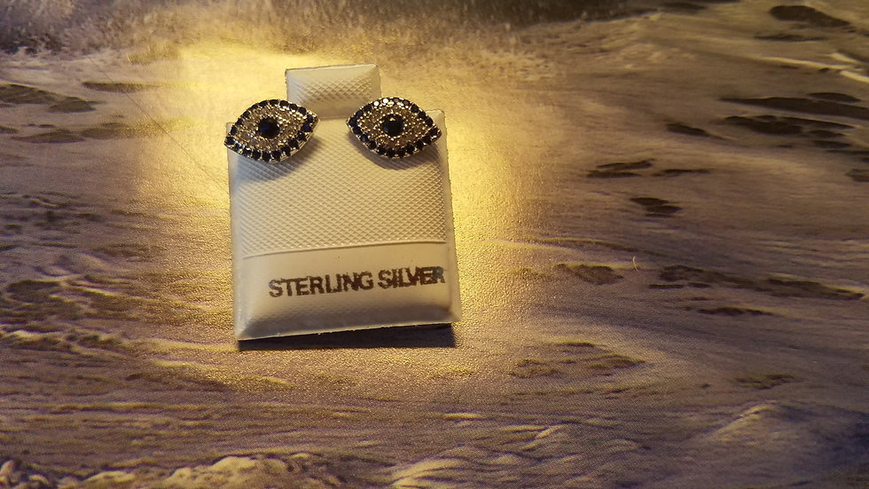 Eye studs with blue and white czs