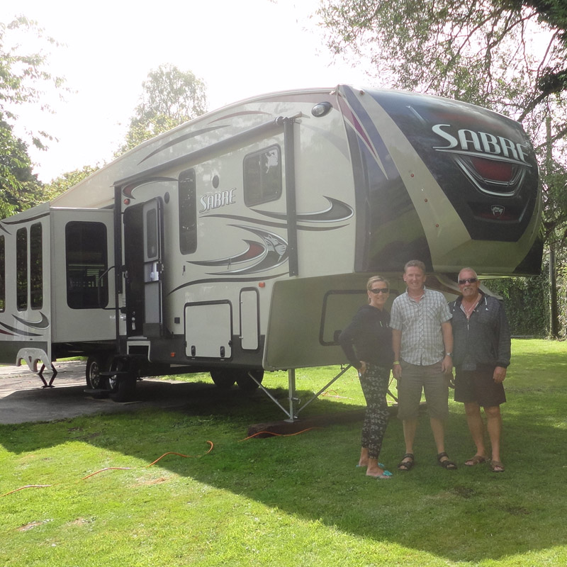 Jay, Sabre fifth wheel & new owners