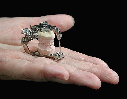 The smallest Denar D5A articulator in the world