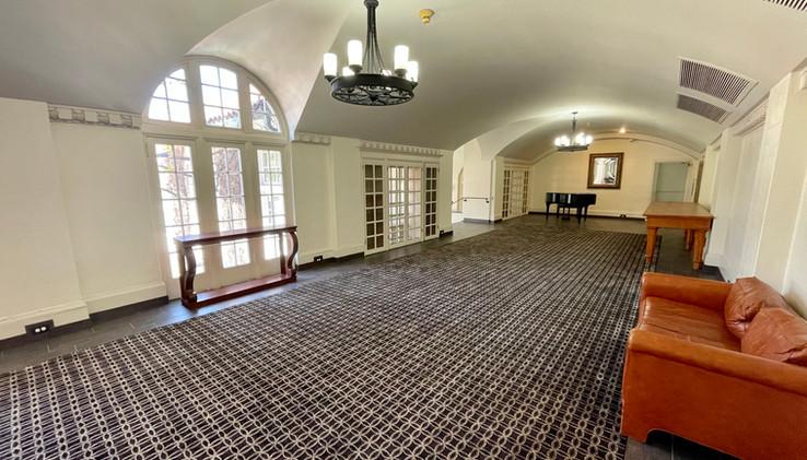 Baquet Hallway