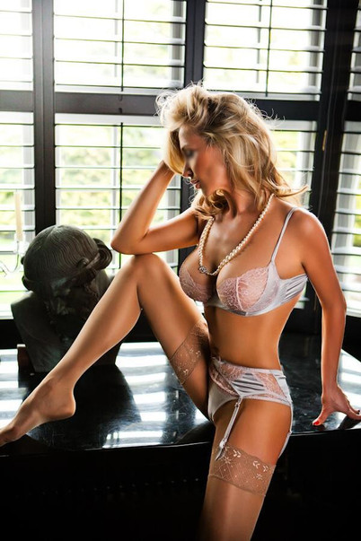 Eva Blonde Escort New York 100% Real Pics