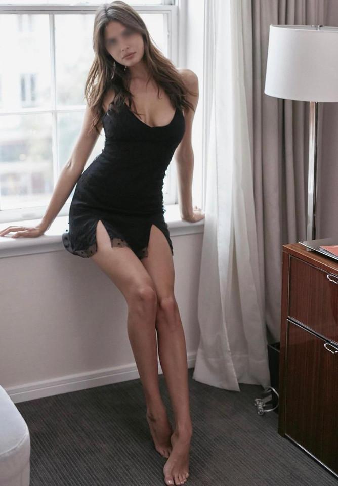 Victoria Escort New York Brunette