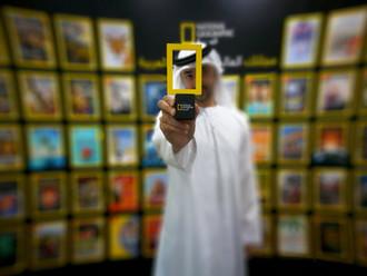 مجلة ناشيونال جيوغرافيك العربية تُكرم المصور الإماراتي يوسف الحبشي بالدرع التذكارية