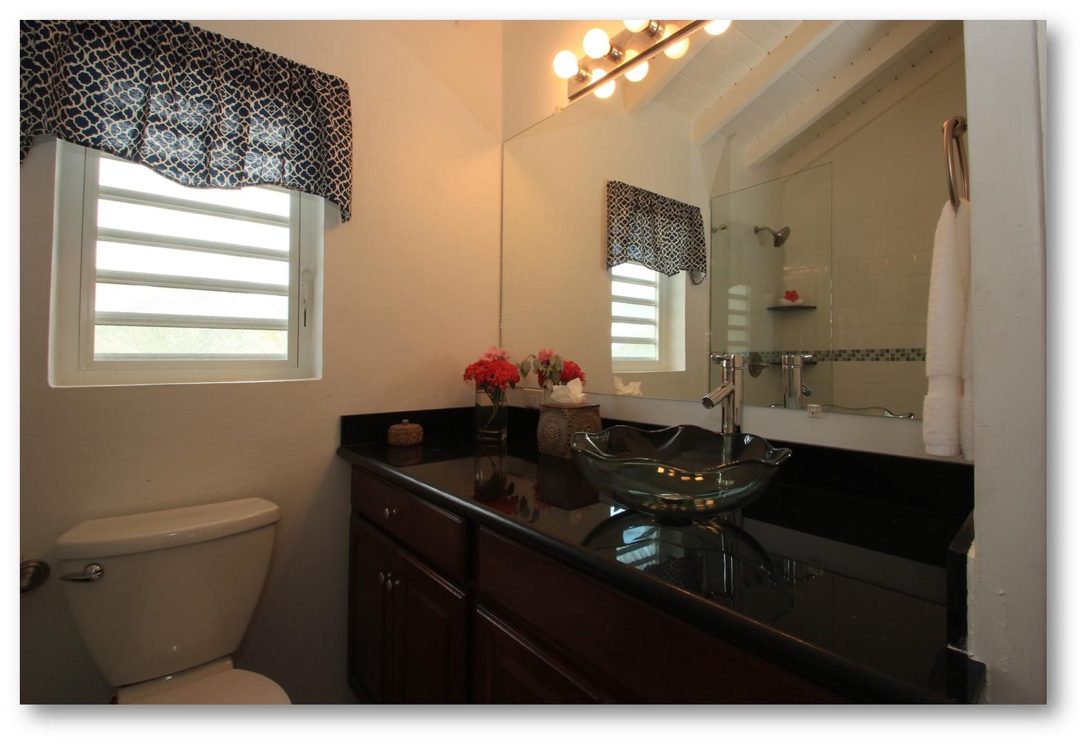 Villa Velaire Bathroom