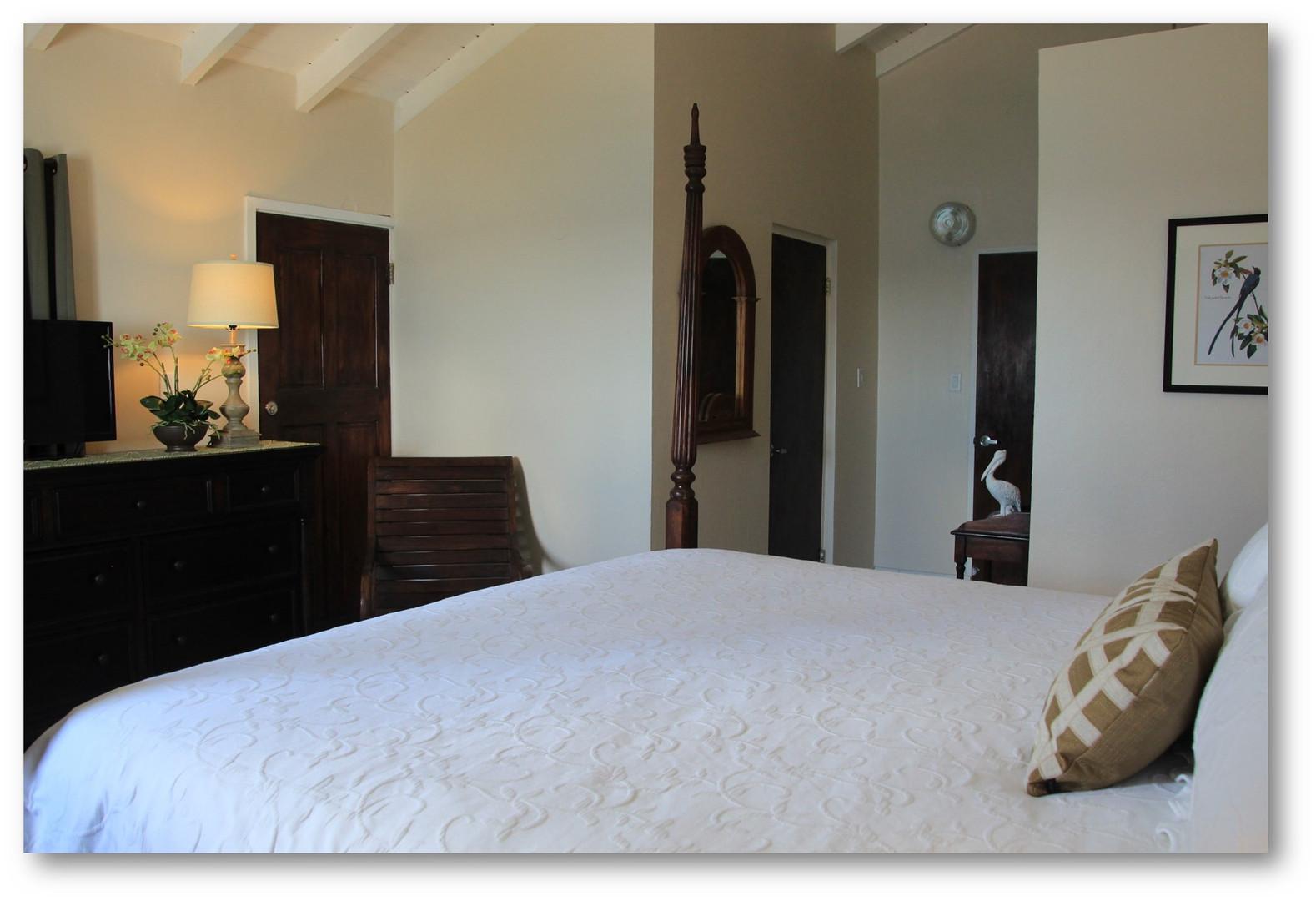 Villa Velaire Bedroom