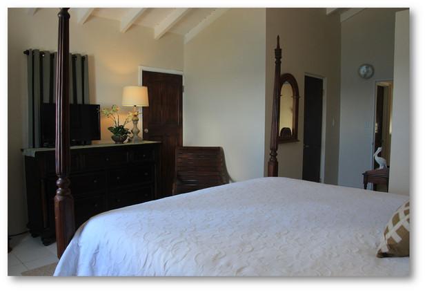 Villa Velaire Bedroom 1