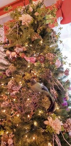 Mason Cottage Parlor Christmas Tree 201