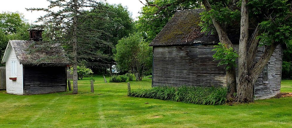 Fullerton Inn Historic Ice House and Hor