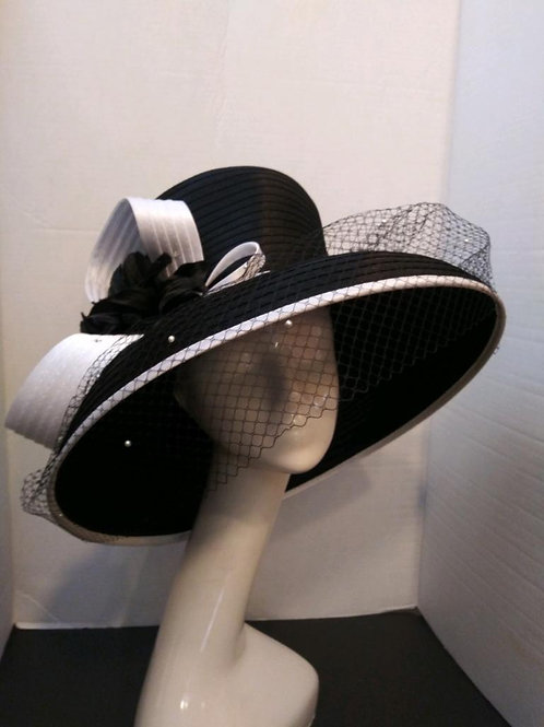 Black and White Year Round Wide Brim w/ Veil