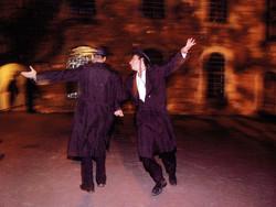 chasidic dancers