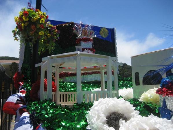 5 - Centennial - Parade e.jpg