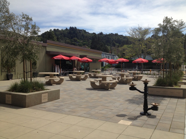 Plaza construction completed with memori