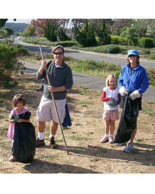- Coastal Cleanup Volunteers 12.jpg