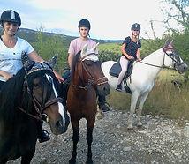 Chevaux montés en pleine nature en Ardèche