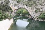 le pont d'arc à Vallon pont d'Arc en ardèche