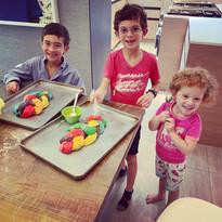 Kids Make Challah
