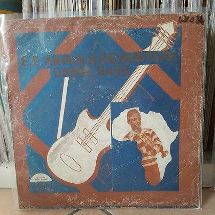 E.E. Akpan & His Hunters Dance Band [Muomaife Groovy Records – MGLP 8]