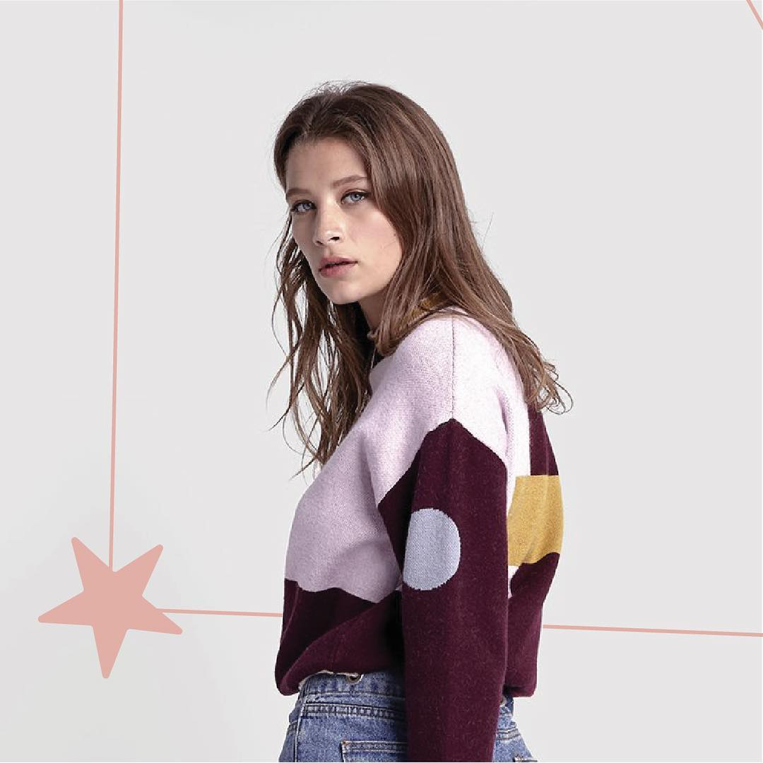 COLOUR BLOCK JUMPER IN FINE KNIT WITH A