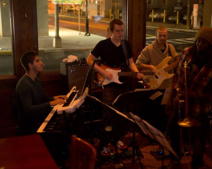 Groove Fusion at Destination Dogs