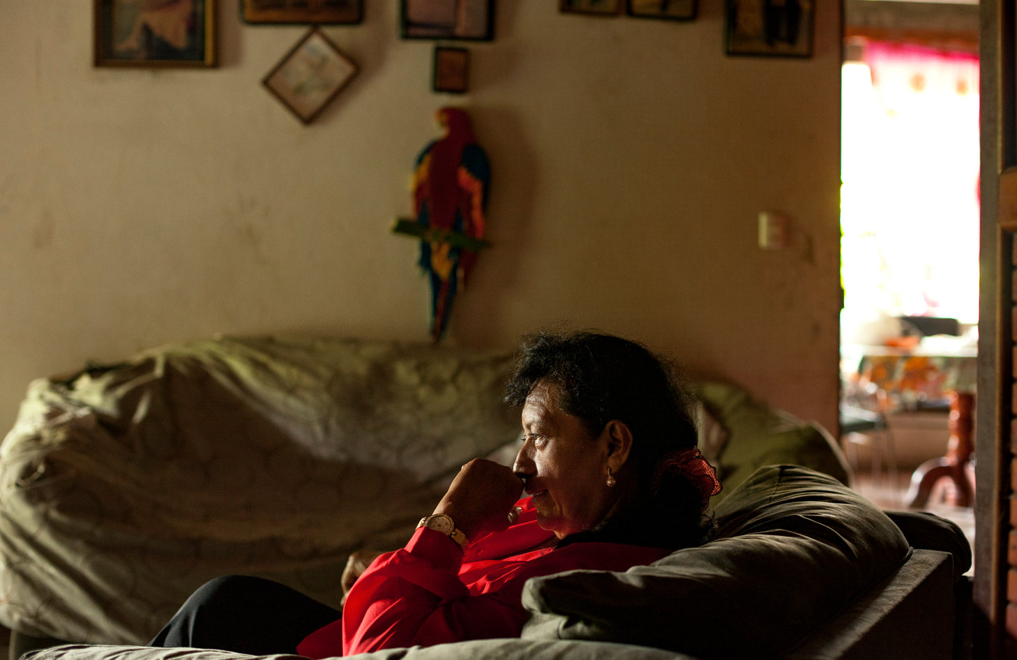 Yolanda has lived in Paso Canoas for the past 20 years. In her living room, she speaks about her experience the increase of migrants over the past six months.