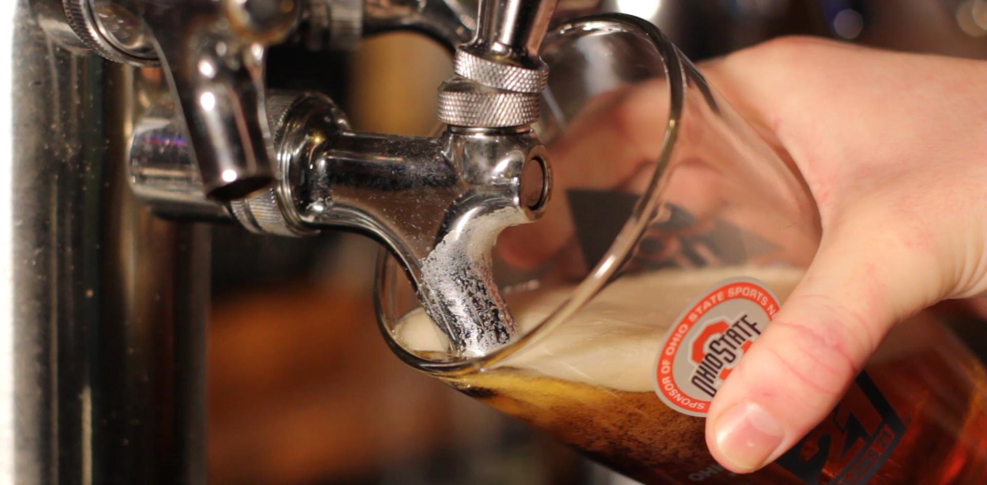 CU pour beer.MOV.00_00_09_27.Still001.jp
