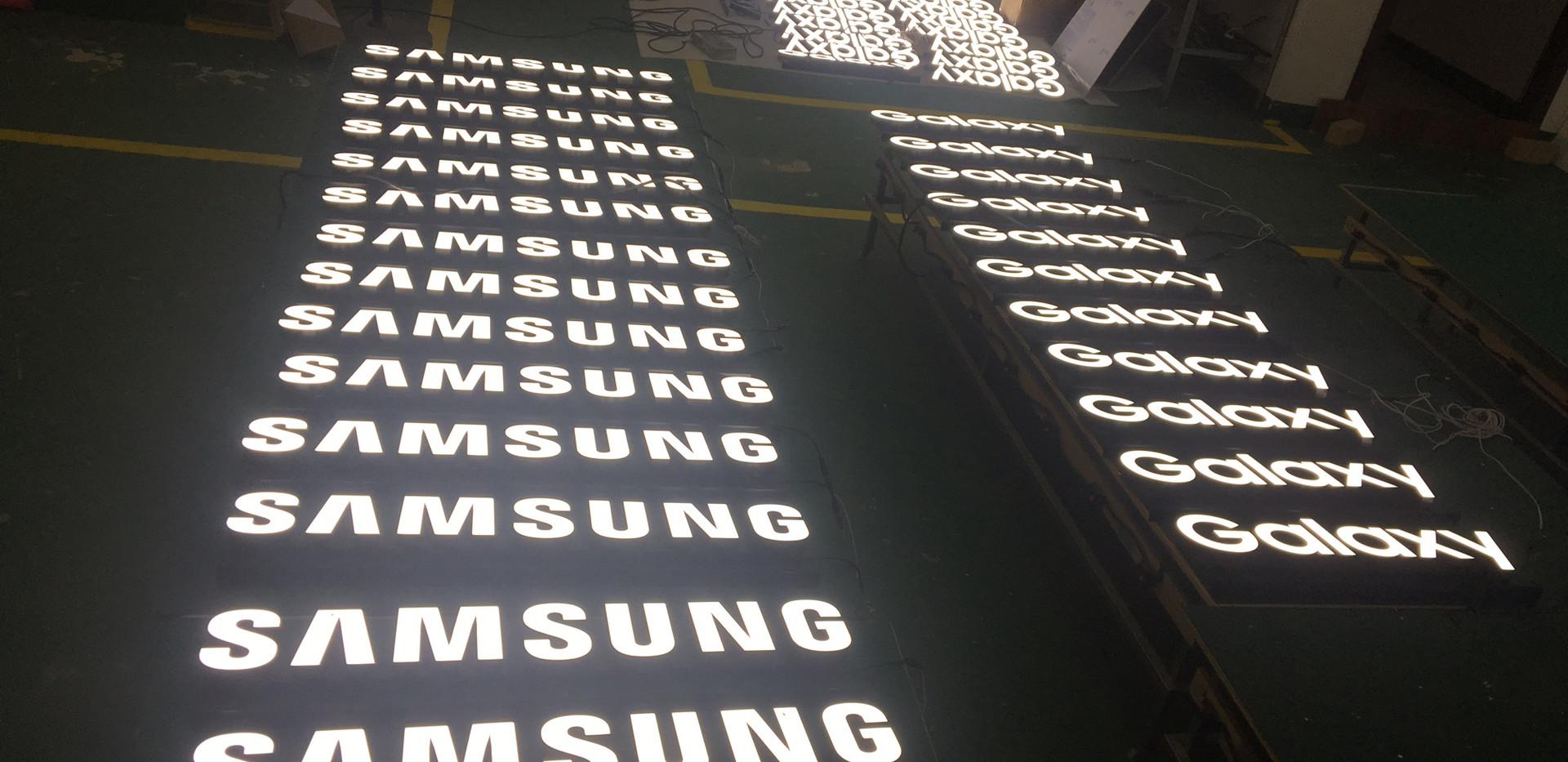 Samsung & Galaxy (2).JPG