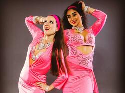 glada magdansöser, rosa magdanskläder