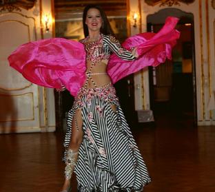 Boka stor magdansshow, magdansös i Stockholm