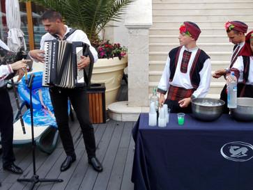 Bułgarski folk, czałga i rakija!