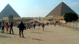 Piramidy i Sfinks
