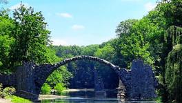 Diabelski Most i Park Azalii. Baśniowy ogród w Kromlau.