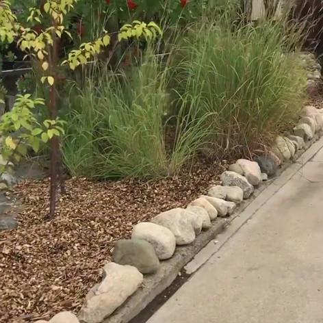 Garden maintenace, rock edging and fresh mulch