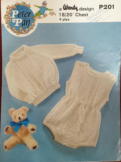Preloved Wendy's babys knitting pattern in 4ply