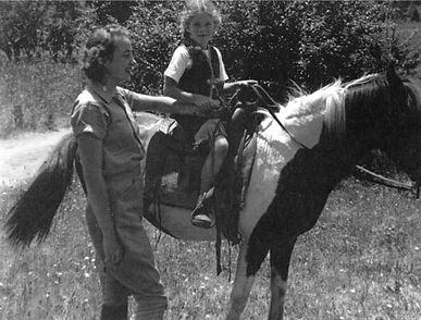 girl-horseride-552.jpg