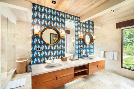 Rental villa shower