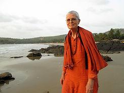 Sw Yogaratna on Om beach.JPG