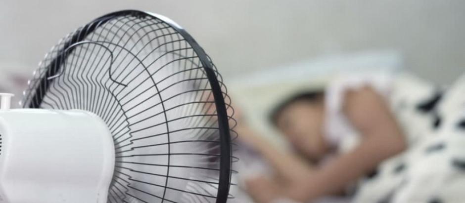 Guia para calorentos: três colchões que vão aliviar o seu calor na cama. Confira!